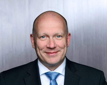 Portrait photo of Stephan Peters, Head of Human Resources, HIH-Gruppe