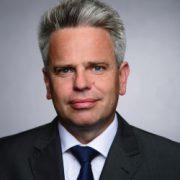 Das Porträtfoto von Erik Marienfeldt der Aufsichtsratsvorsitzende bei der INTREAL.