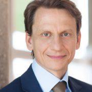 Das Porträtfoto von Thomas Richter, Hauptgeschäftsführer des deutschen Fondsverbands BVI.